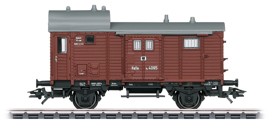 46985 Freight train baggage car Pg