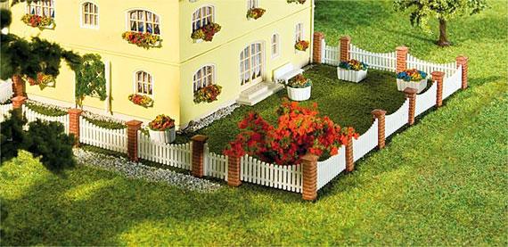 Faller 272409 vorgarten zaun landschaft ausschm ckung ausschm ckung spur n modellbahnshop - Zaun vorgarten ...