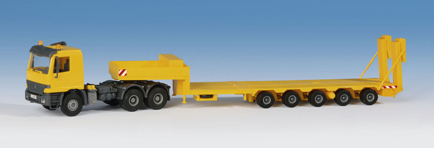 14654 MB ACTROS with GOLDHOFER flat bed trailer