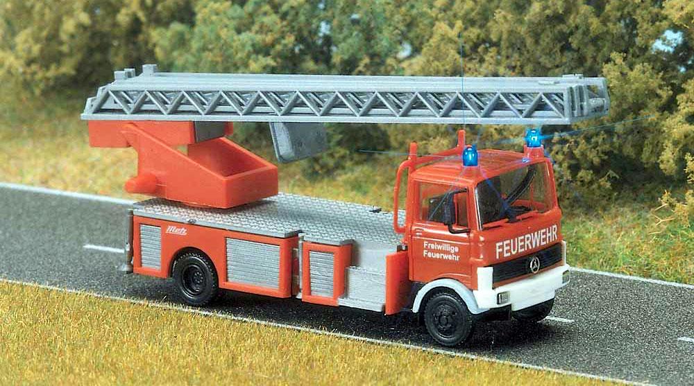Busch 1//87 40781 Mercedes Benz LP 809 LKW Kasten ABX Transport OVP #039