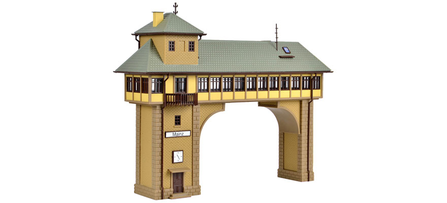 45726 Gantry-style signal tower