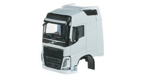 2 Stück ... herpa 084802 Fahrgestell Volvo FH 6x2 mit Chassisverkleidung Inhalt