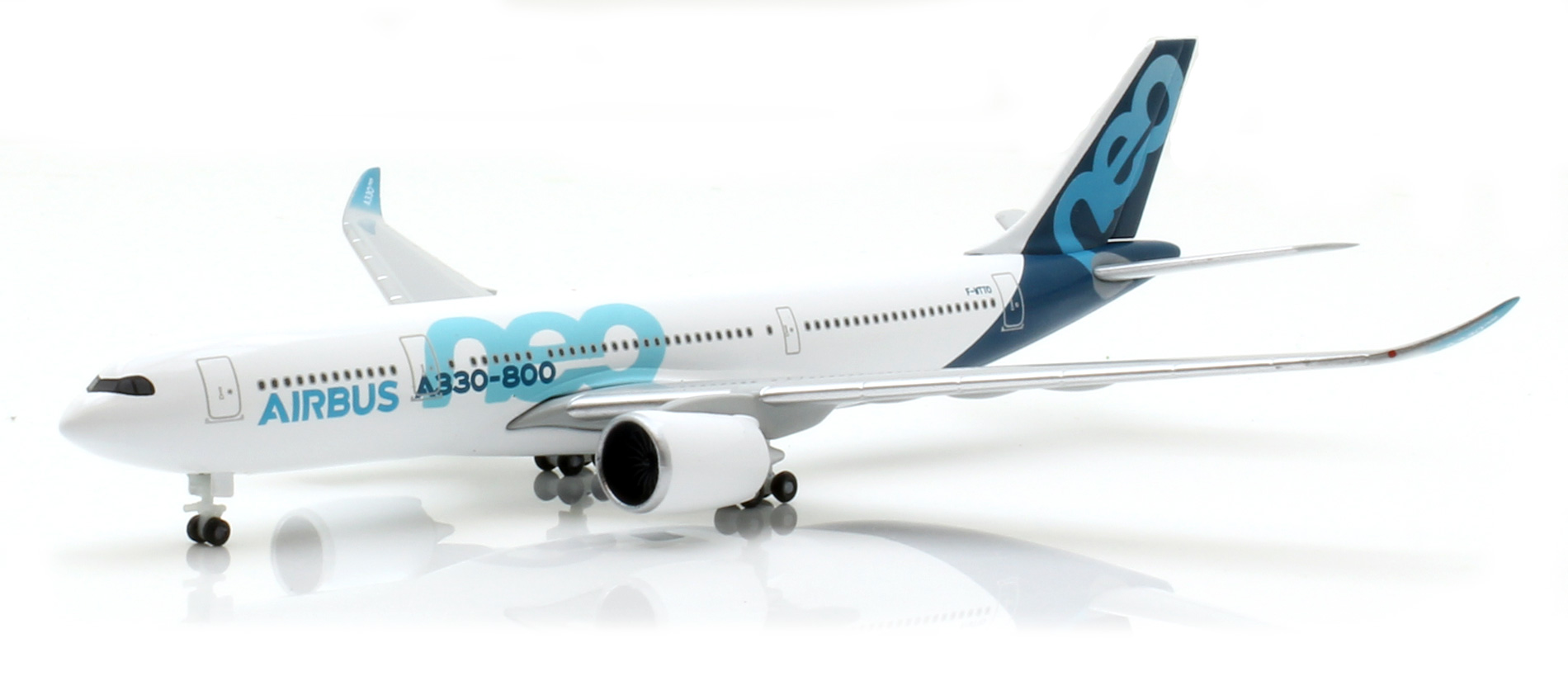 Herpa 533287 vía 1:500 Airbus A330-800 neo modellbahnshop-lippe.com