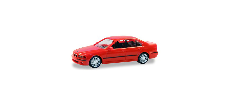 022644-002 BMW M5, red