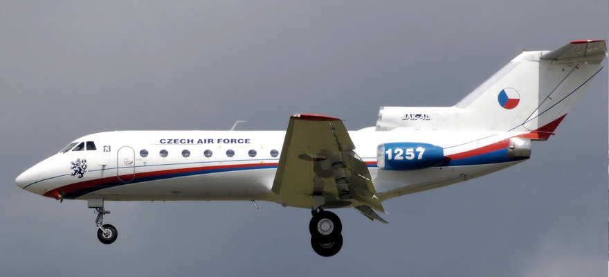 559898 Czech Air Force Yakovlev Yak-40