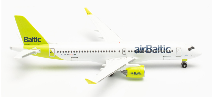 535328 A220-300 airBaltic 100th A220 – YL-AAU