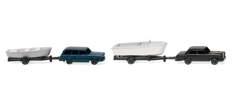 092139 Two boat trailers