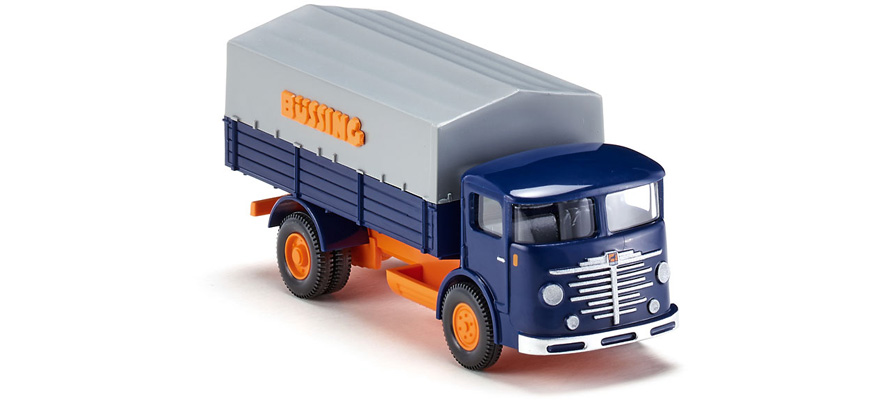 047601 Flatbed lorry