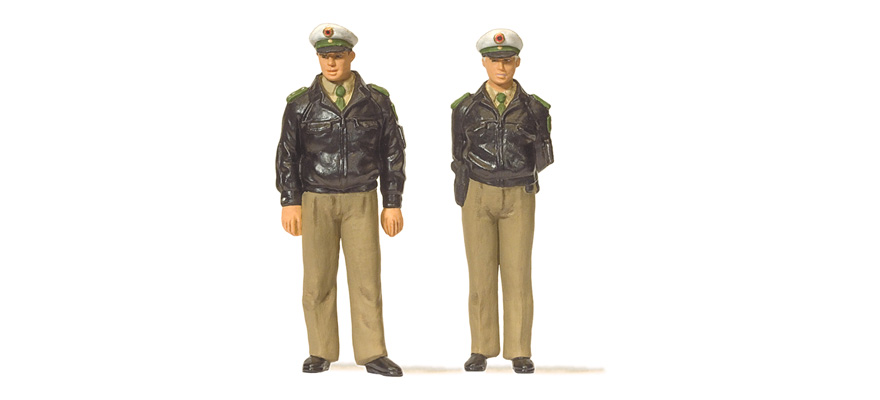 63100 Standing police officers
