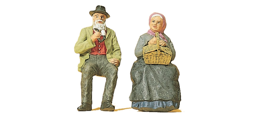45045 Seated farmer with his wife