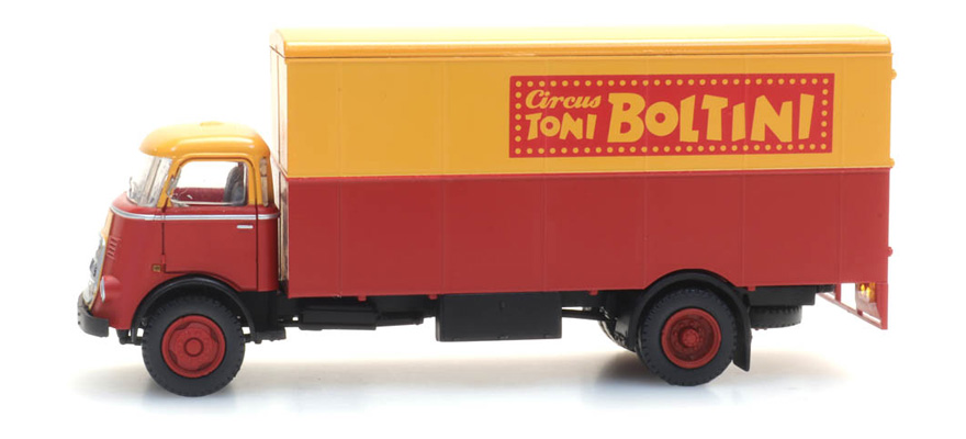 "487.032.14 Box truck ""Circus Boltini"""